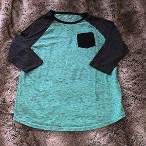 Quarter sleeve pocket shirt